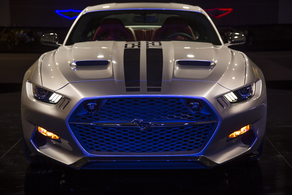 2017 Gas Ford Mustan